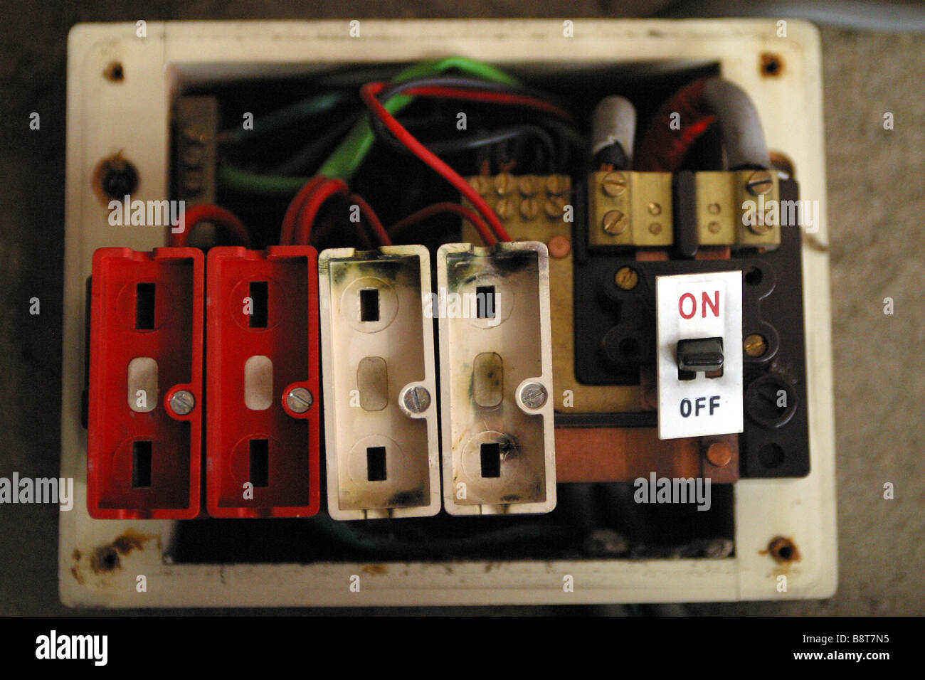 old style consumer unit electrical wire fuse box B8T7N5 old style consumer unit electrical wire fuse box stock photo blown fuse in fuse box at reclaimingppi.co