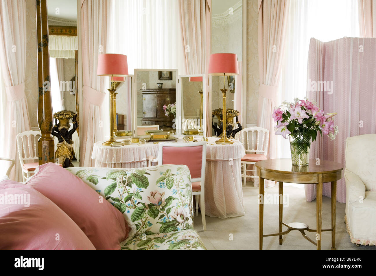 Lady Bedroom A View Towards The Kidney Shaped Dressing Table In Lady Anglesey S