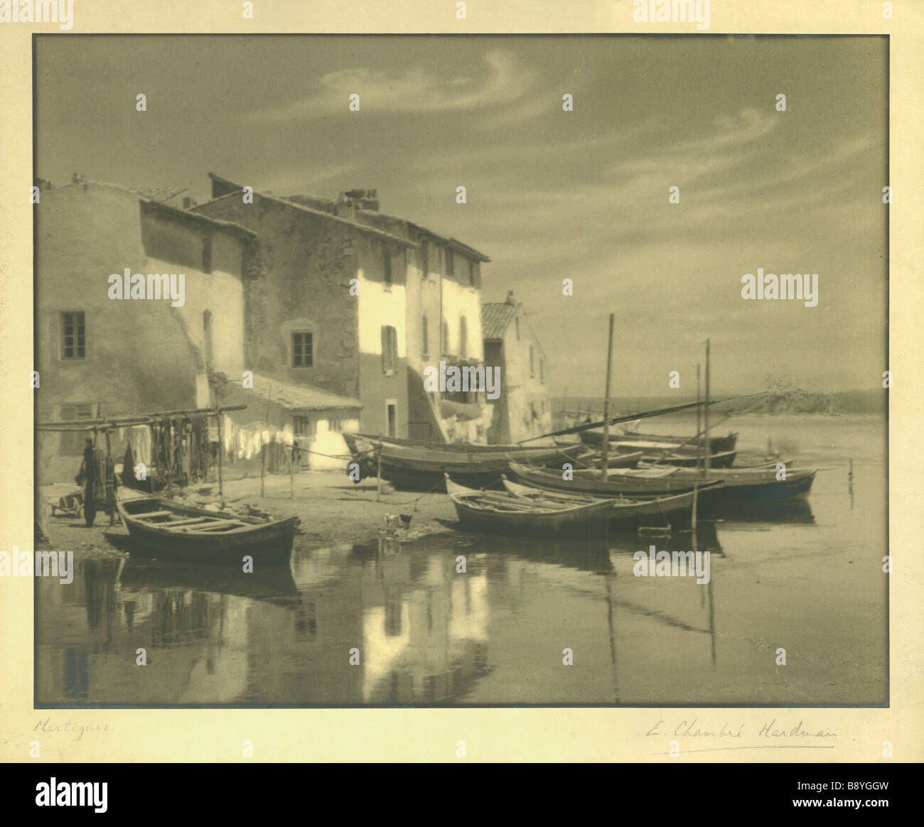 E chambre hardman 1927 photograph of boats moored in the for Chambre hardman