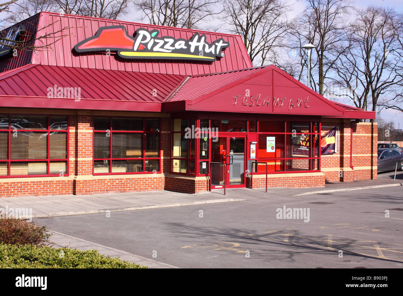 pizza hut restaurant in mansfield Stock Photo Royalty Free Image