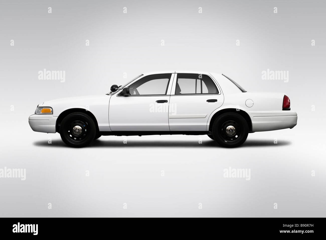 2009 ford crown victoria police interceptor in white drivers side profile