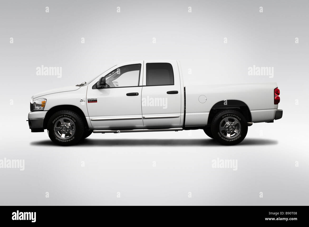 2009 dodge ram 2500 big horn edition in white drivers side profile stock photo royalty free. Black Bedroom Furniture Sets. Home Design Ideas