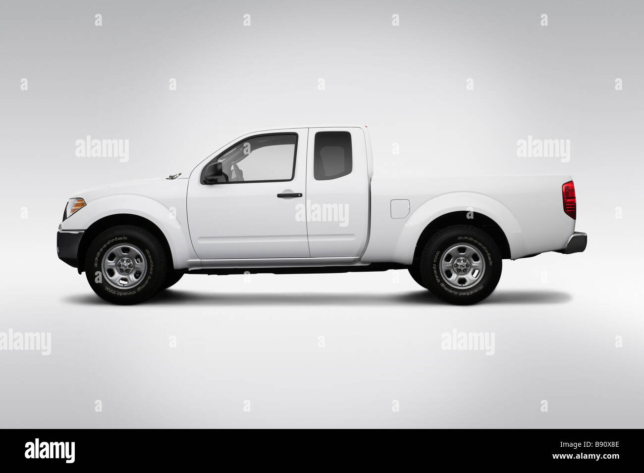 2009 nissan frontier se in white drivers side profile stock 2009 nissan frontier se in white drivers side profile vanachro Gallery