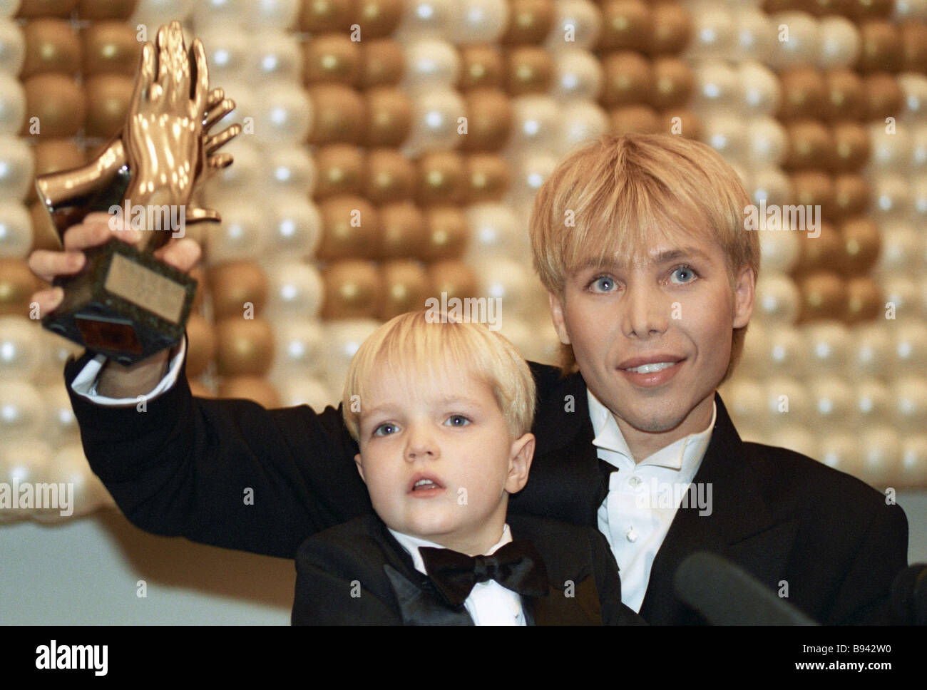 The adoptive son of Sergey Zverev received the results of the DNA test and burst into tears on 06/14/2018