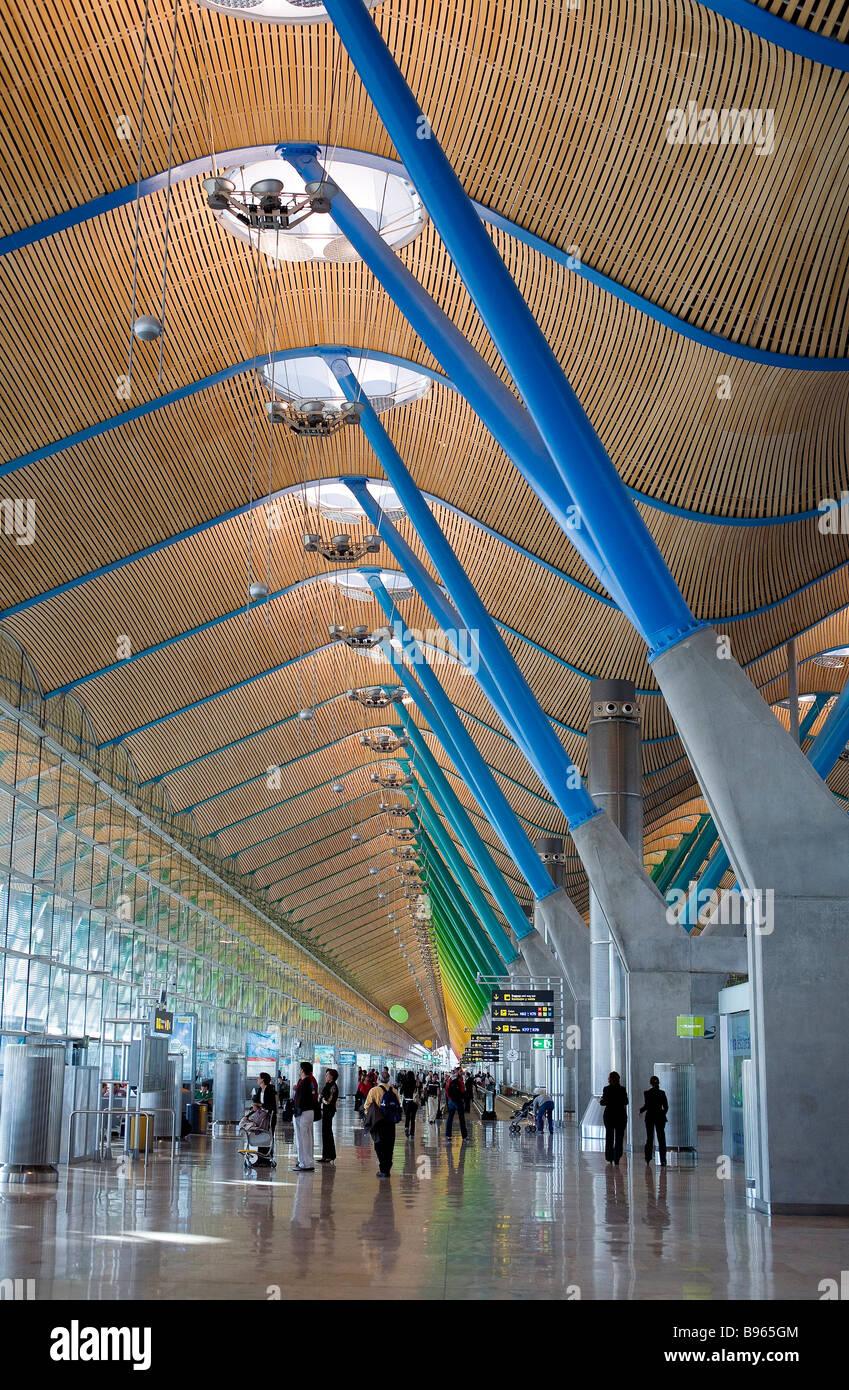Spain madrid barajas international airport terminal 4 - Terminal ejecutiva barajas ...