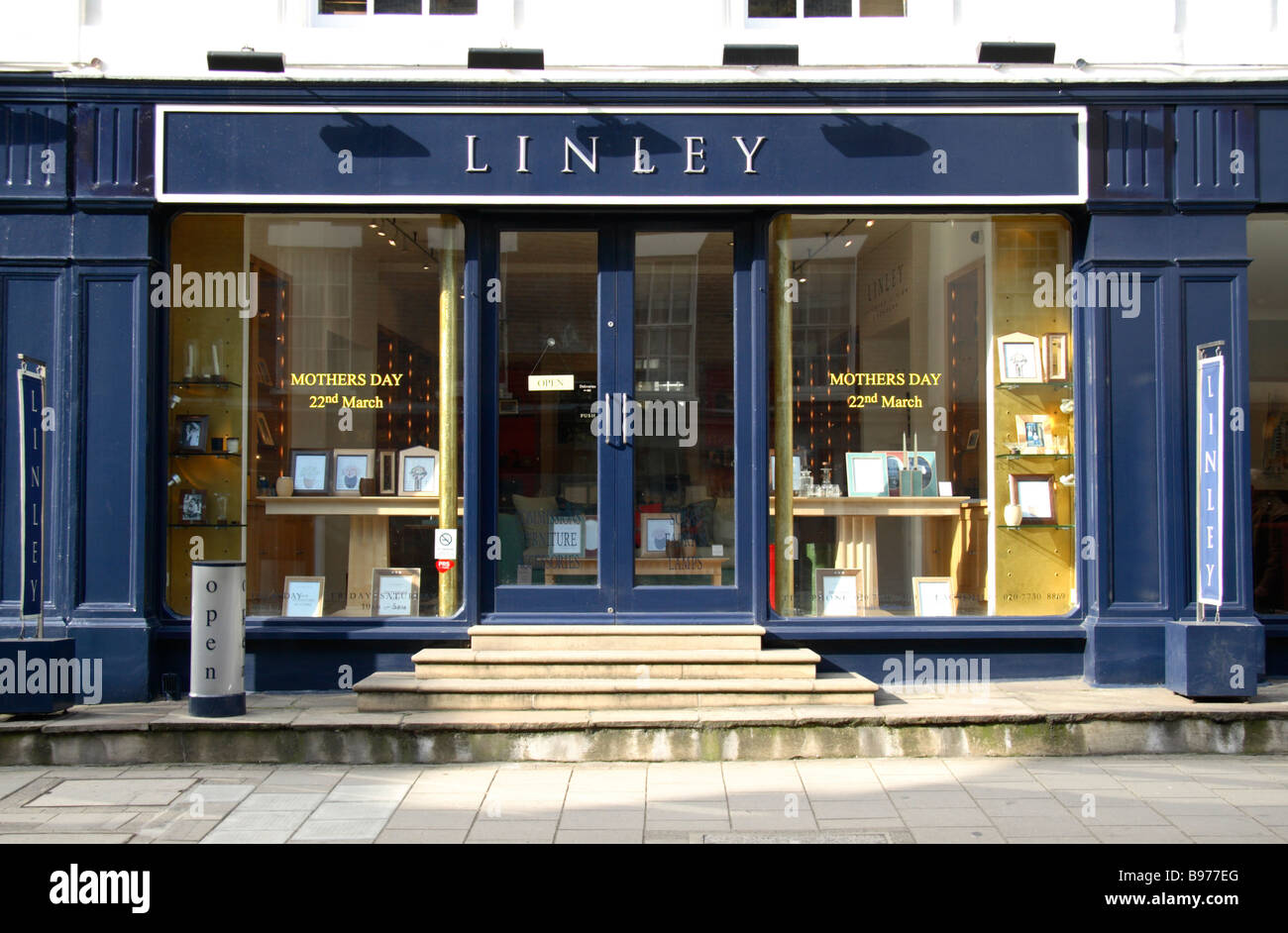 The Shop Front Of David Linley Furniture Store Belgravia London March 2009