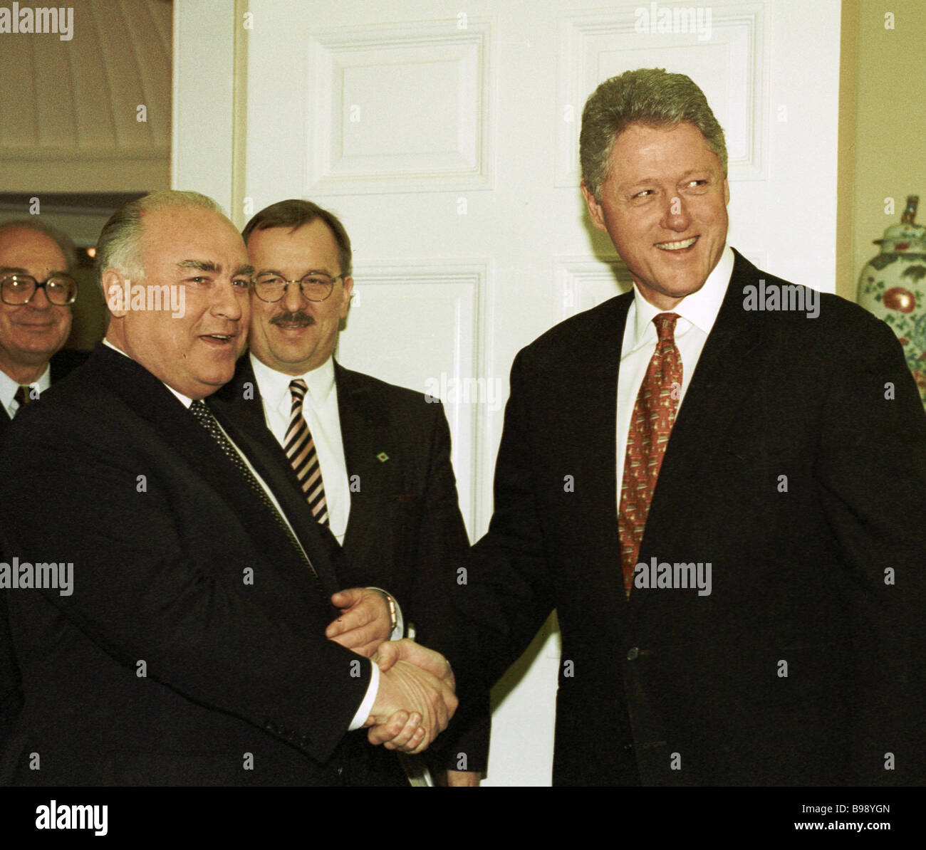 Russian prime minister viktor chernomyrdin left greeting us russian prime minister viktor chernomyrdin left greeting us president bill clinton during his visit to the us kristyandbryce Images