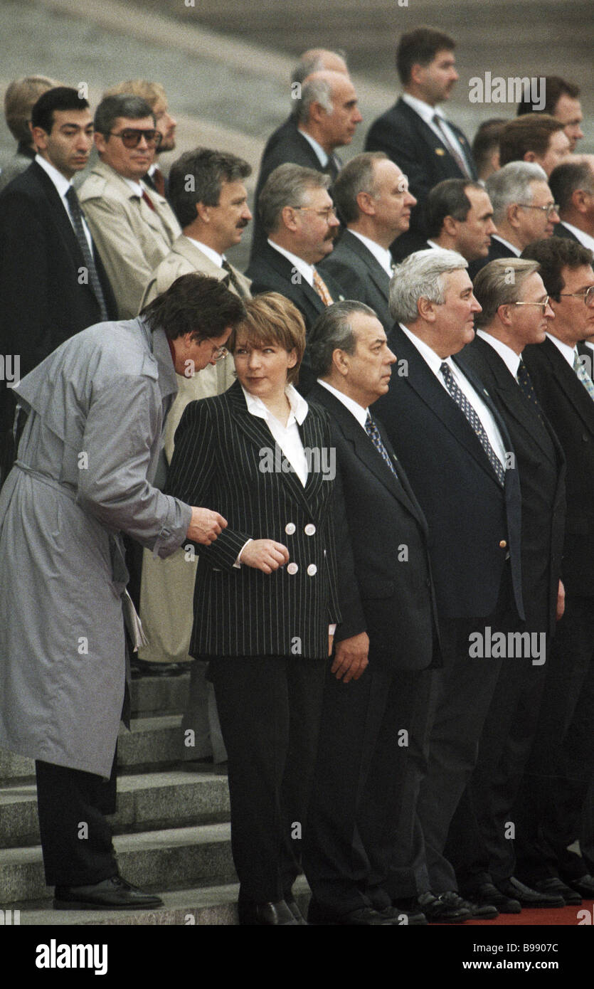 Tatyana dyachenko russian presidential adviser 2nd to left during tatyana dyachenko russian presidential adviser 2nd to left during the russian president s gala greeting in tiananmen square kristyandbryce Images
