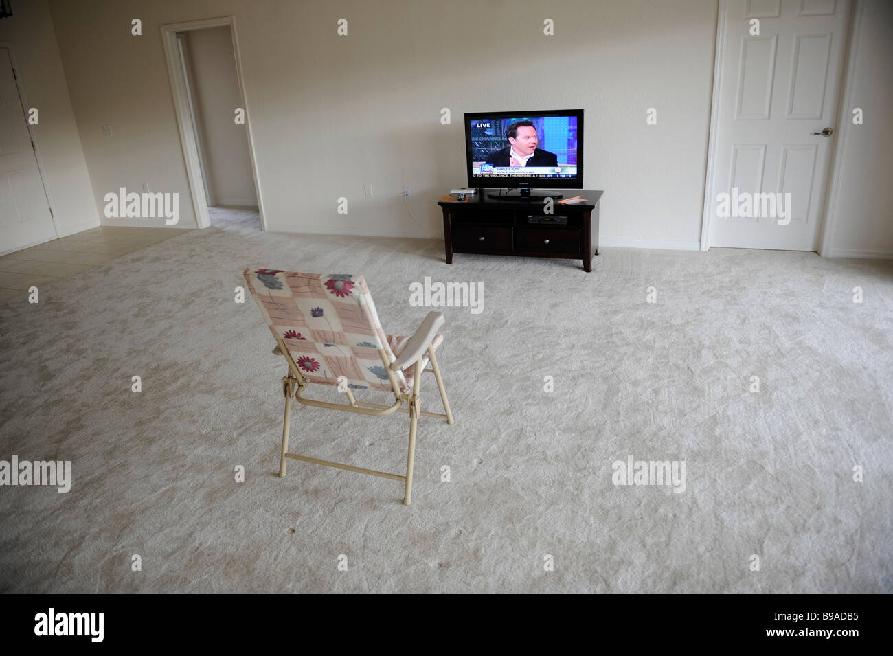flat panel tv stock photos & flat panel tv stock images - alamy
