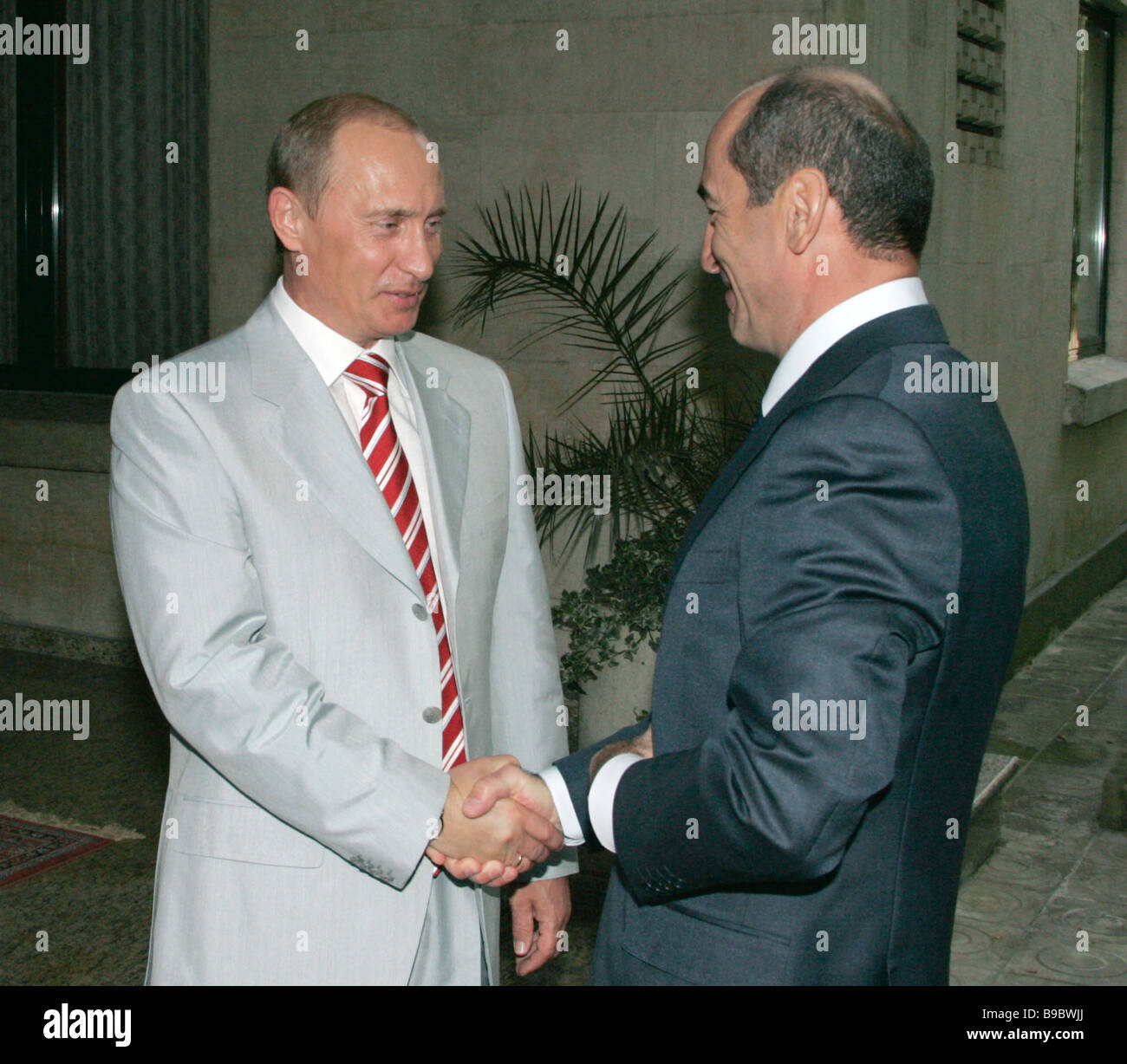 Presidents vladimir putin of russia left and robert kocharyan of presidents vladimir putin of russia left and robert kocharyan of armenia meet in sochi on the russian black sea coast kristyandbryce Images