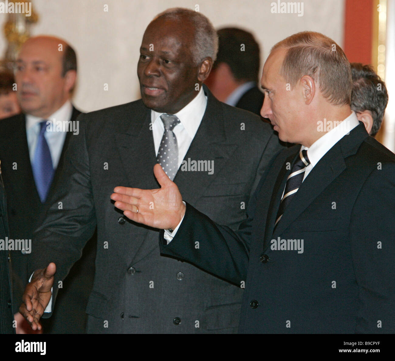 Russian president vladimir putin and angolan president jose eduardo russian president vladimir putin and angolan president jose eduardo dos santos right to left greeting delegations before kristyandbryce Images