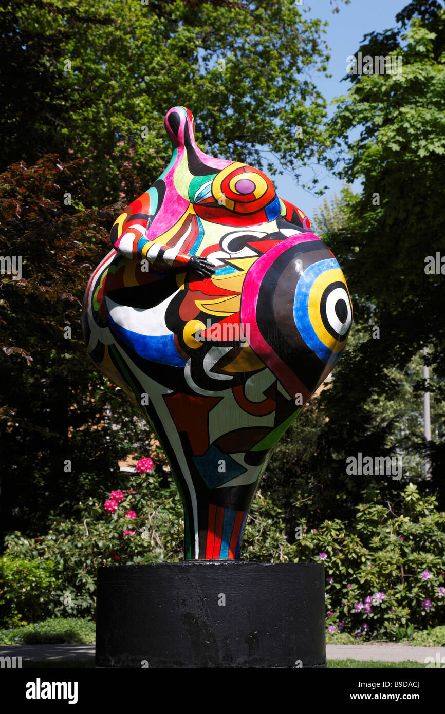 sculpture of niki de saint phalle in the front garden of. Black Bedroom Furniture Sets. Home Design Ideas
