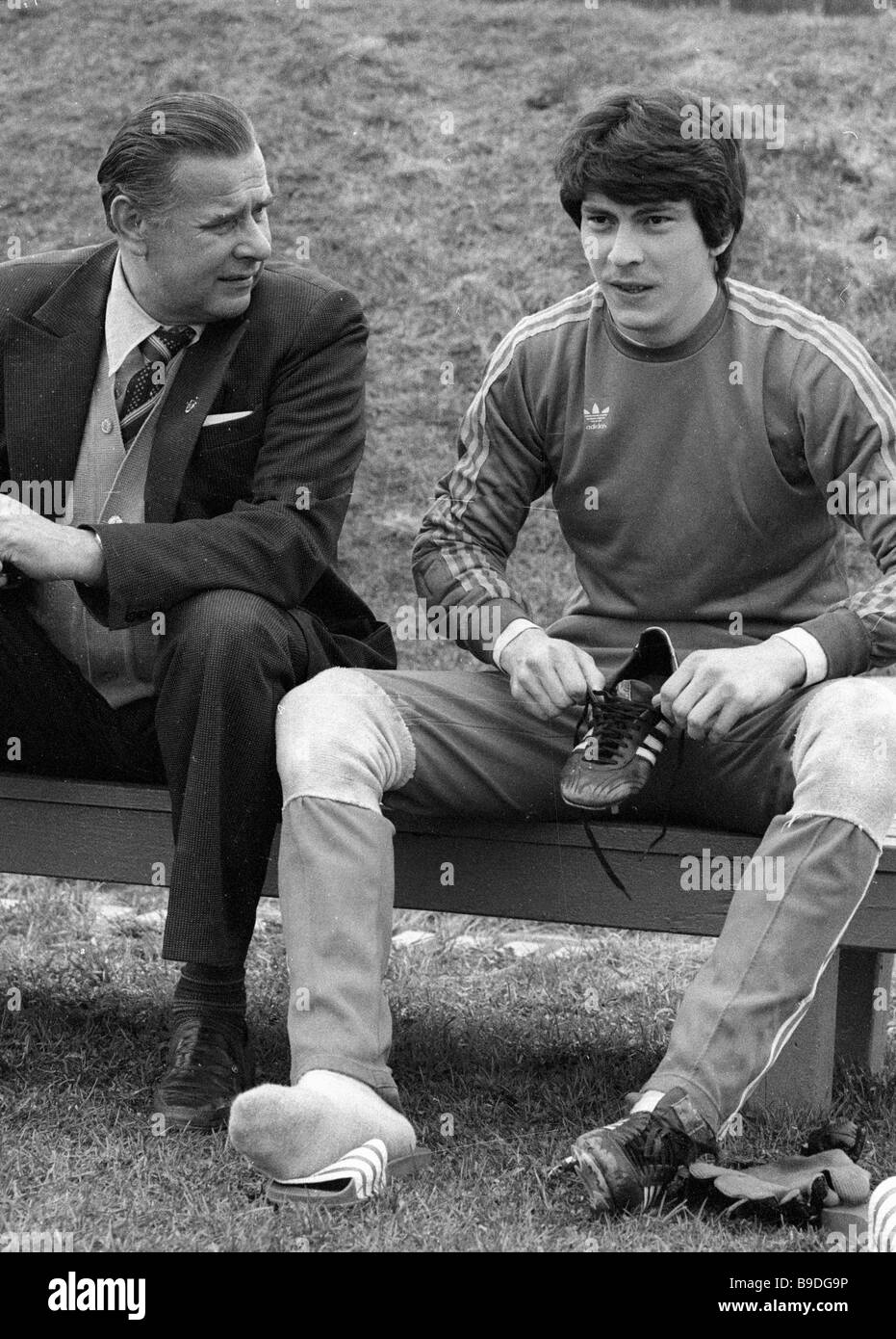 Honored Master of Sport Lev Yashin left talking to USSR national