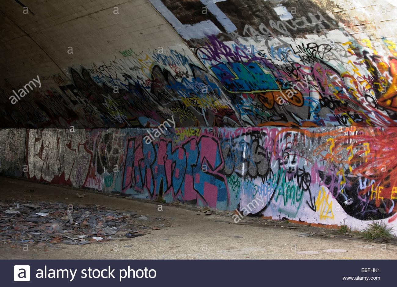 Graffiti wall uk - Stock Photo Graffiti On Wall Of Arches Etonwick Berkshire Uk