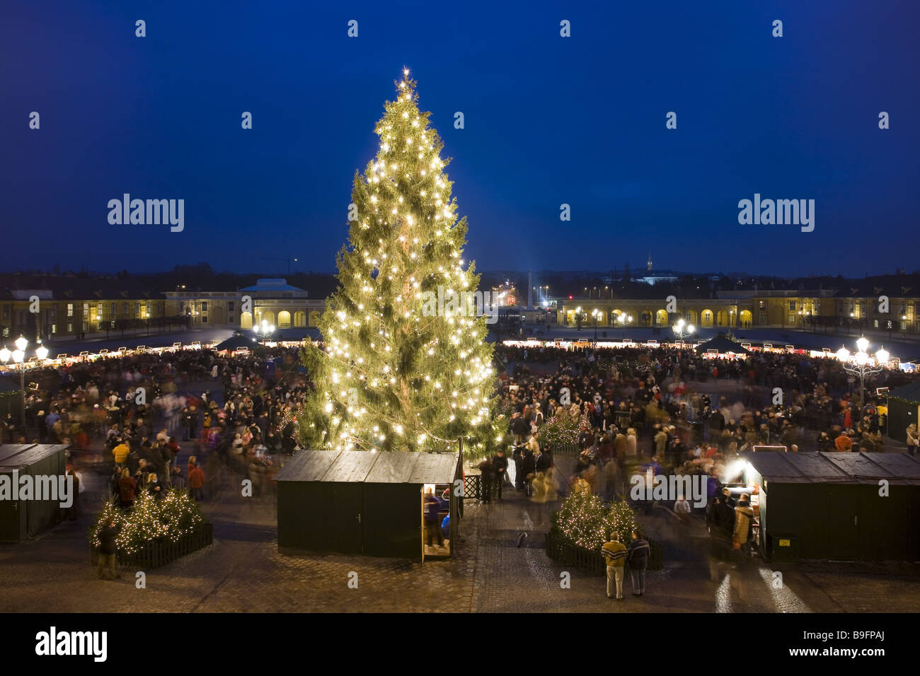 Austria vienna palace sch nbrunn christmas market for Best hotel in vienna for christmas