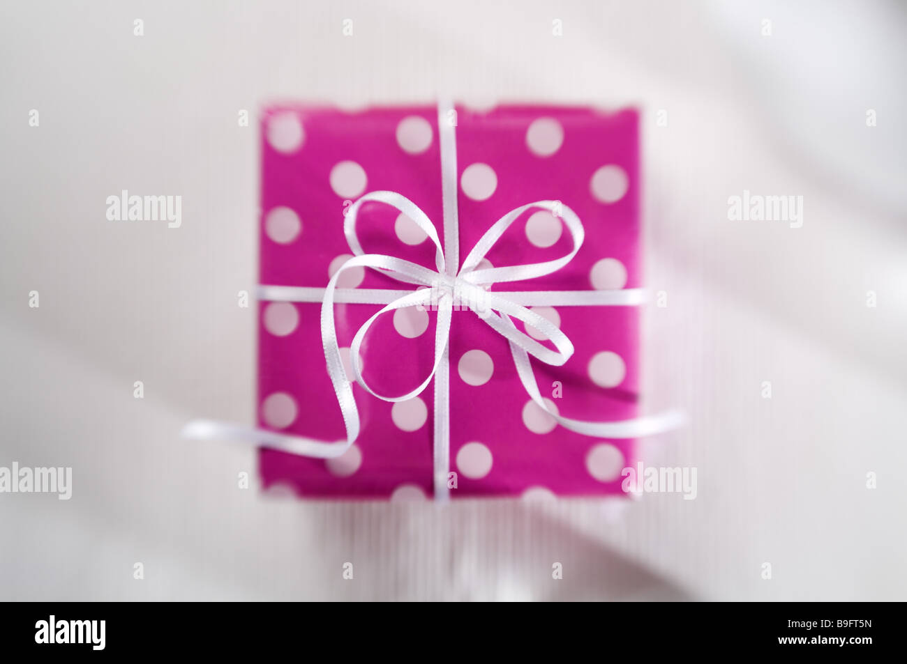 Gift pink bow dabbed gives souvenir thank you attention surprise gift pink bow dabbed gives souvenir thank you attention surprise packet gift packet birthday surprise birthday gift negle Choice Image