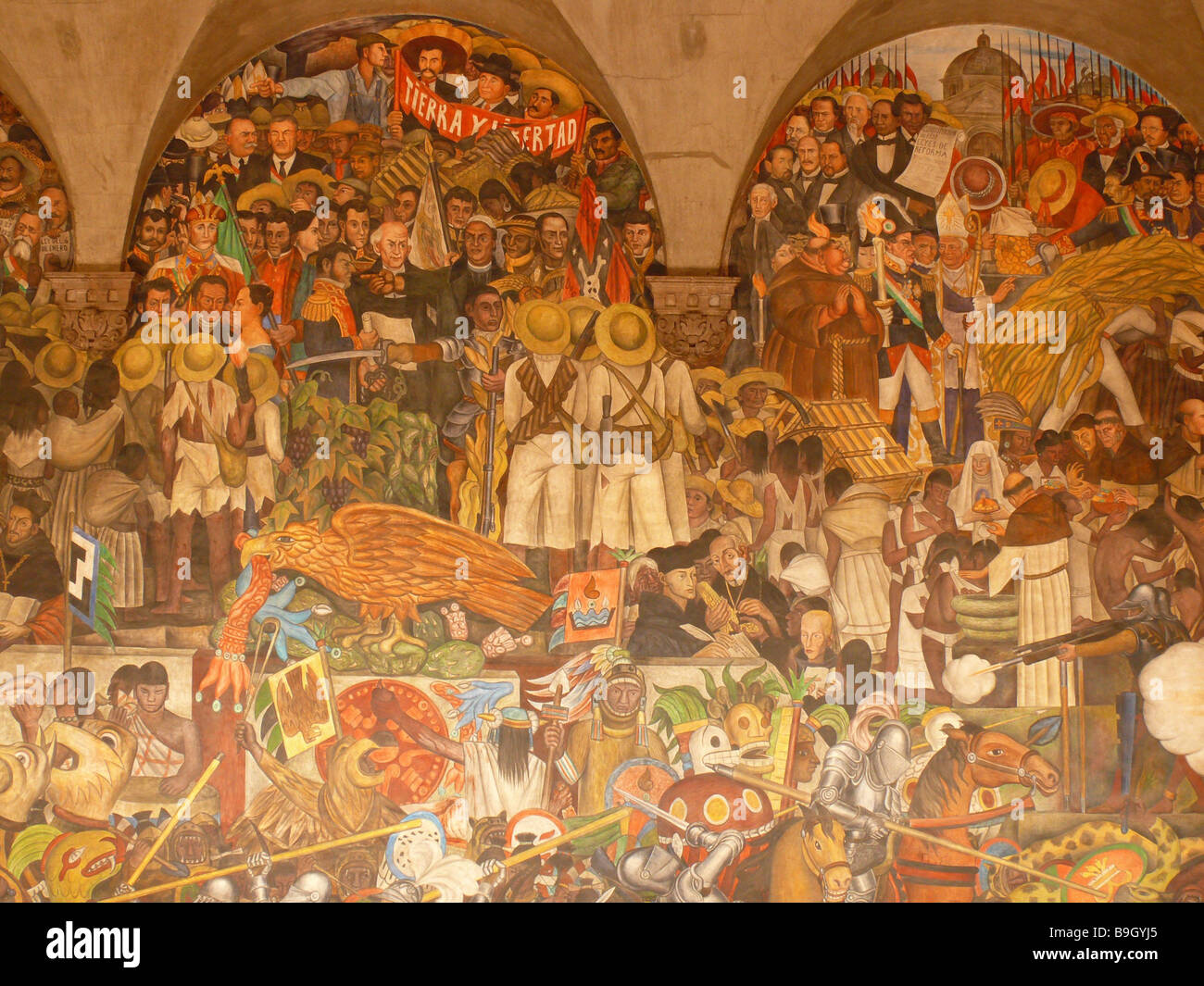 Mexico mexico city palacio nacional murals artist diego for Diego rivera mural paintings