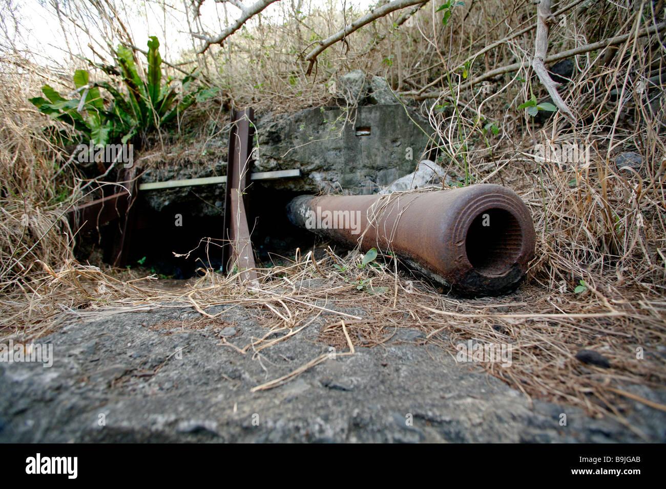 Destroyed Wwii Japanese Naval Gun On Mount Suribachi Iwo
