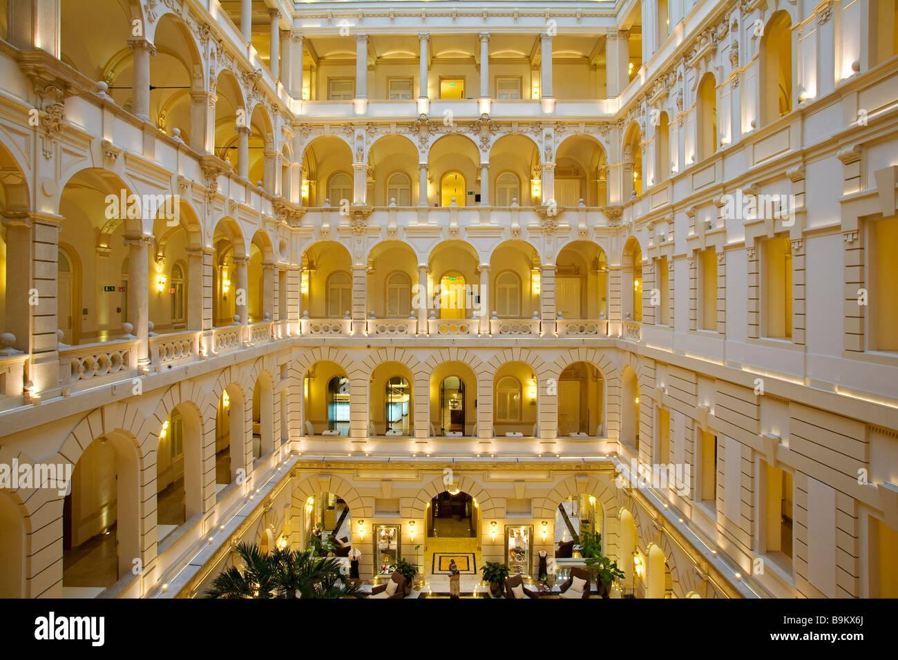 Hungary budapest new york palace 5 star luxury hotel for Hotel budapest