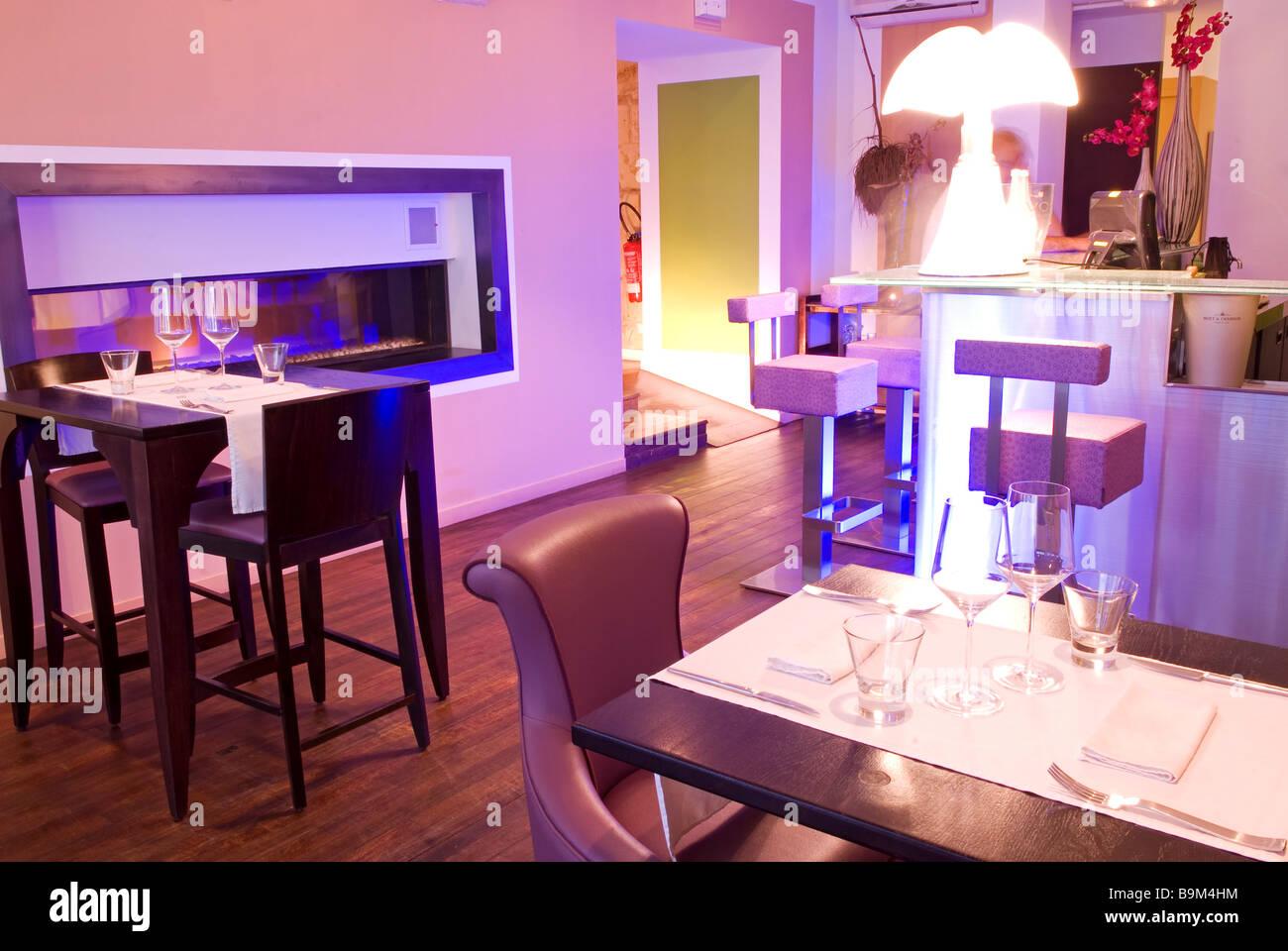 france gironde bordeaux saint pierre district le karma restaurant stock photo royalty free. Black Bedroom Furniture Sets. Home Design Ideas