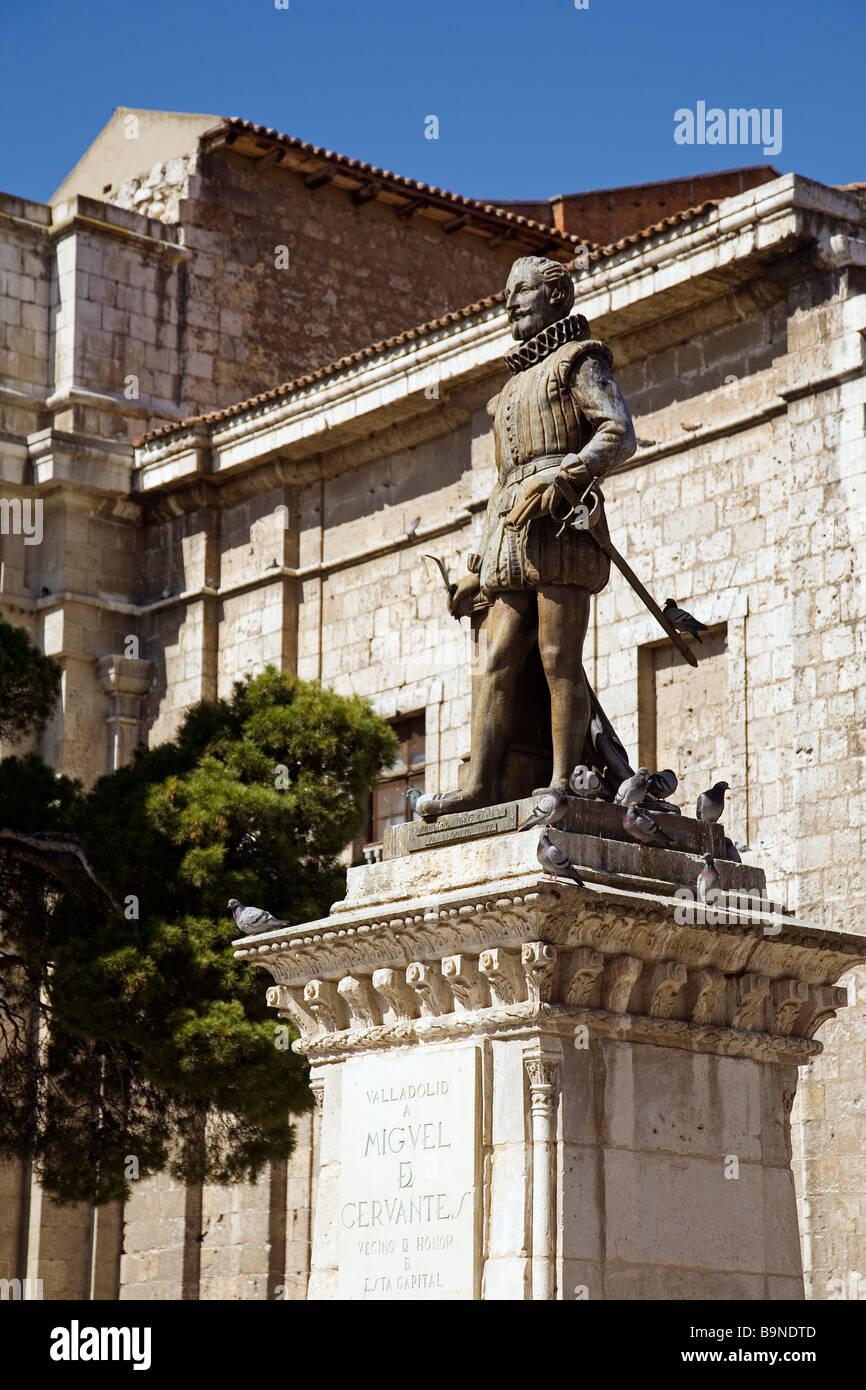 Statue of miguel de cervantes in plaza de la universidad - Escuela arquitectura valladolid ...