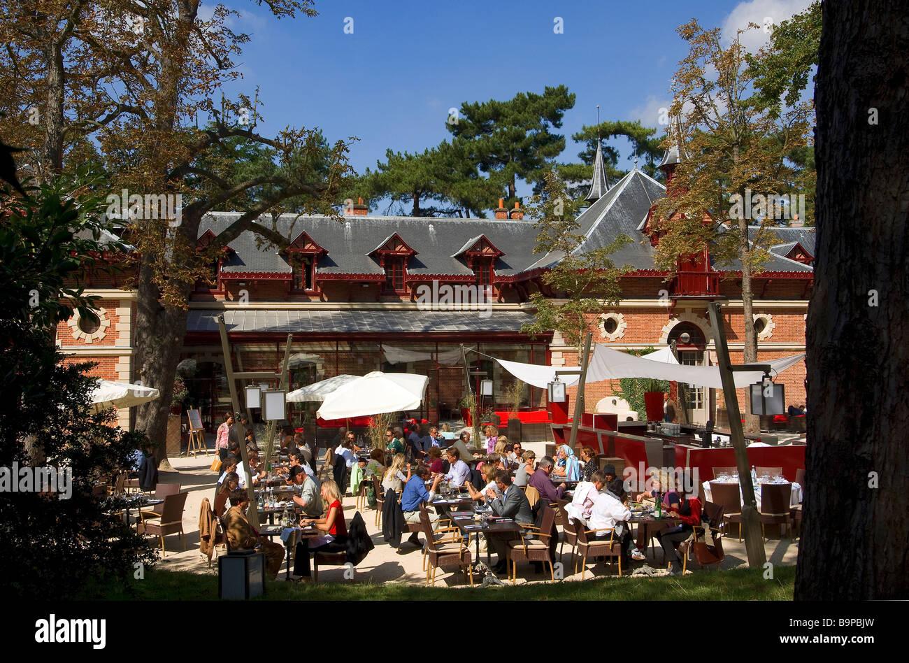 France, Paris, Bois de Boulogne, Parc de Bagatelle  ~ Bois De Boulogne Parc