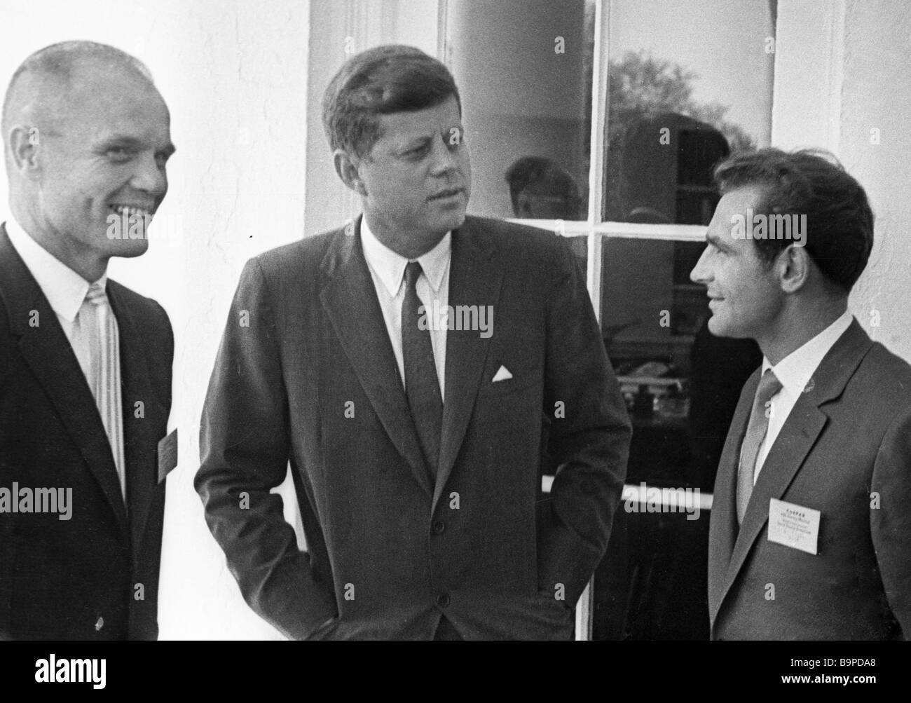 an analysis of the accounts of john f kennedy in vietnam