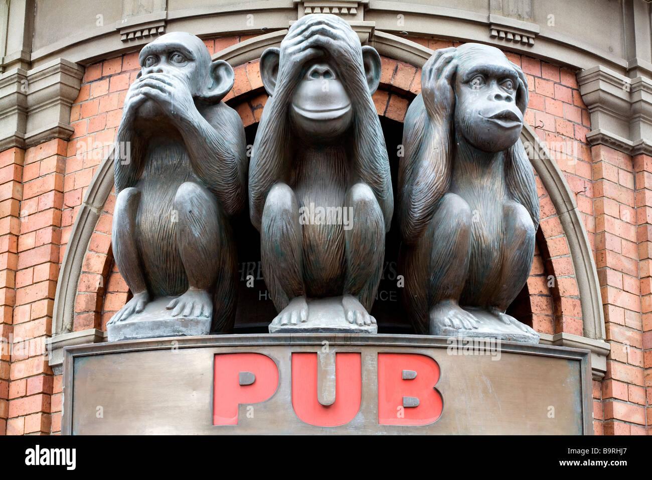 Three wise monkeys wooden ornaments - Australia New South Wales Sydney George St The Three Wise Monkeys Pub