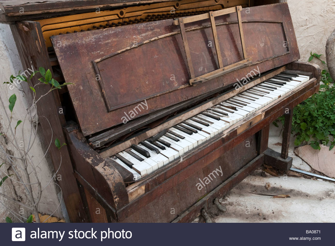 photo old piano - photo #16