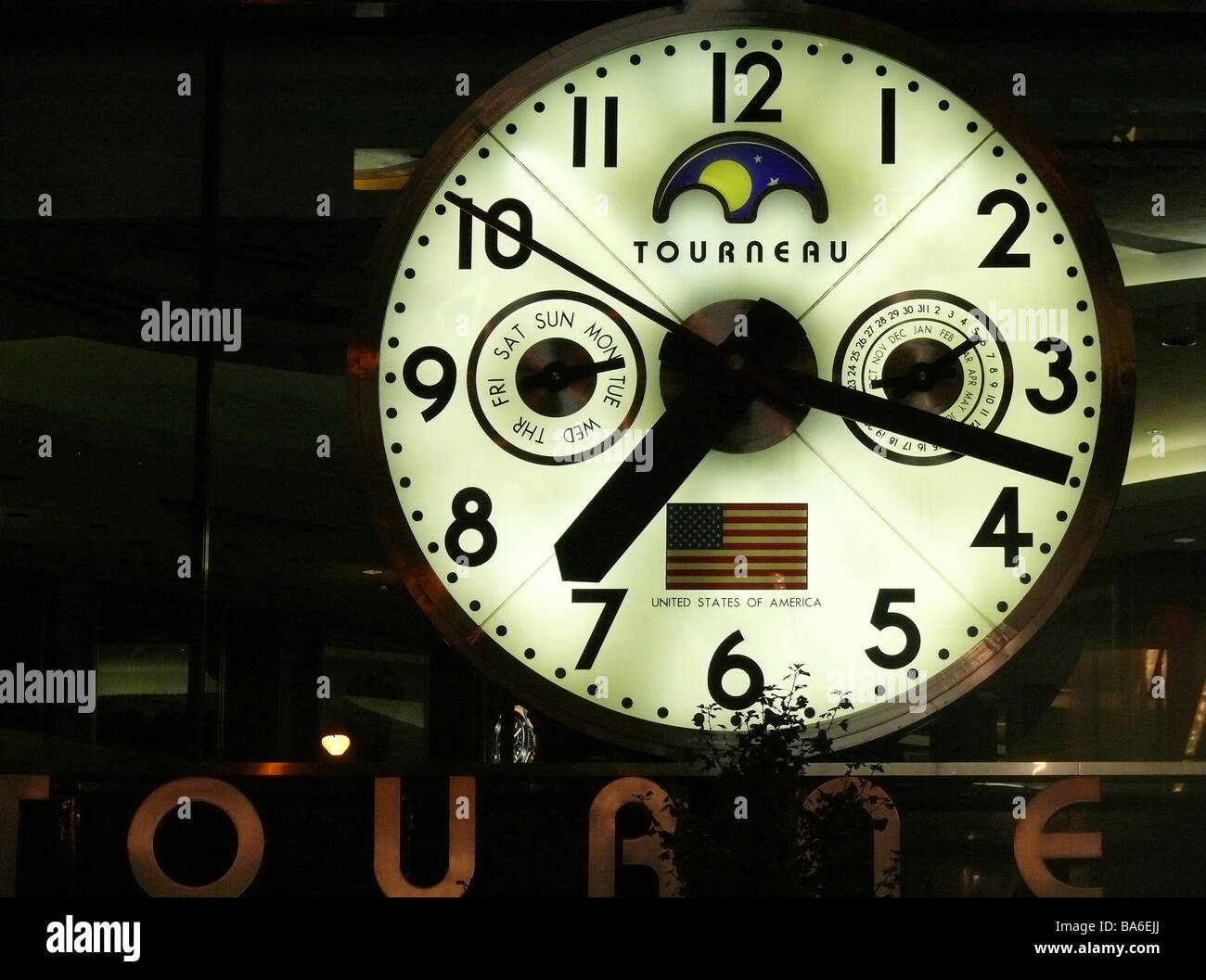 Usa new york city fifth avenue clock outside evening america city usa new york city fifth avenue clock outside evening america city manhattan outside clock night darkness time date date ad amipublicfo Gallery