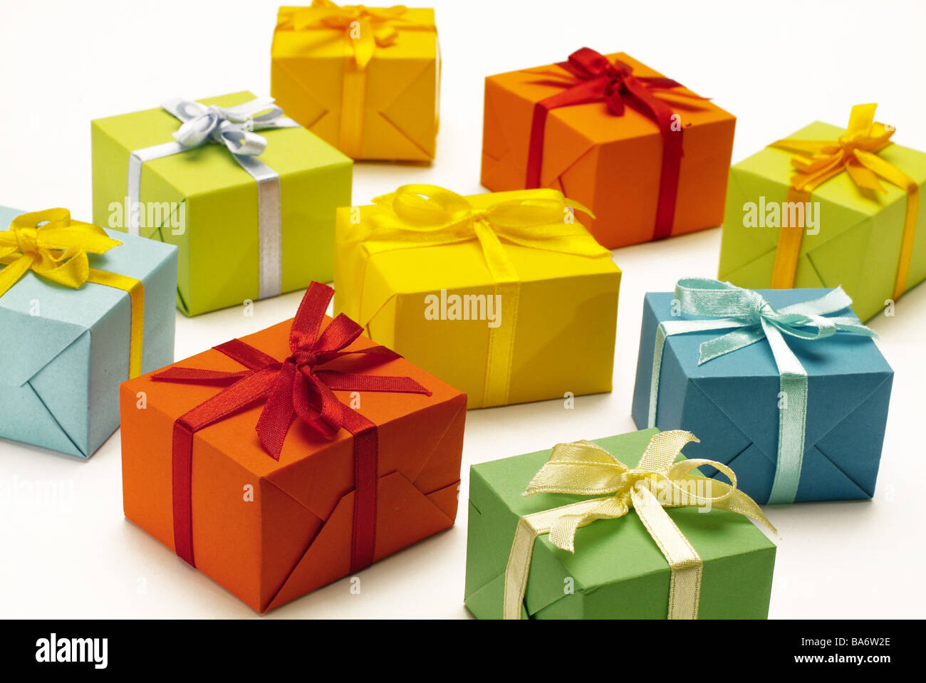 Gifts packs colorfully differently geschenpakete package packet gifts packs colorfully differently geschenpakete package packet boxes bows colorfully differently colorfully many decoration negle Choice Image