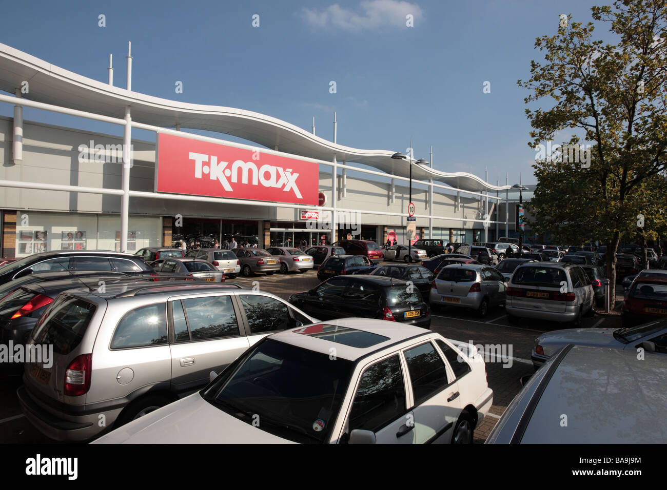Colliers wood tk maxx closing times