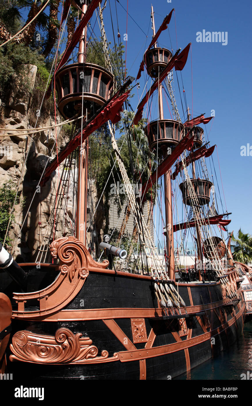 Treasure Island Hotel Las Vegas Pirate Show