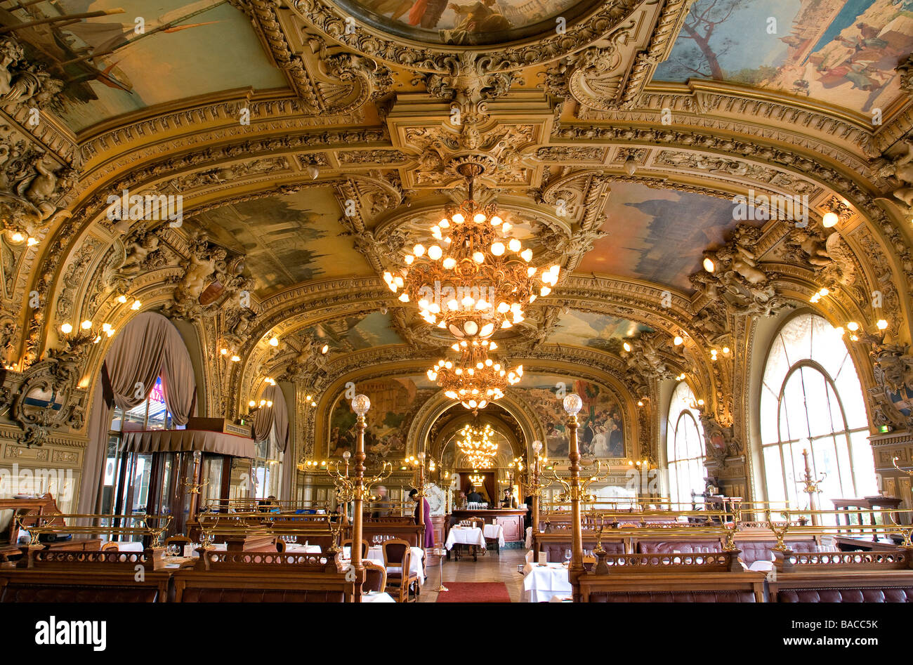 France paris gare de lyon le train bleu restaurant for Stock cuisine lyon