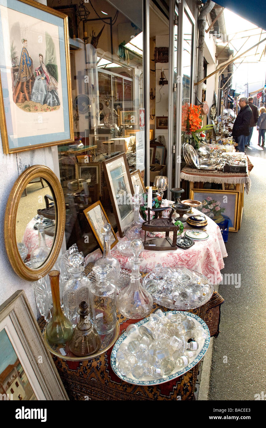 France, Paris Flea Market at the Porte de Clignancourt, Marche Stock ...