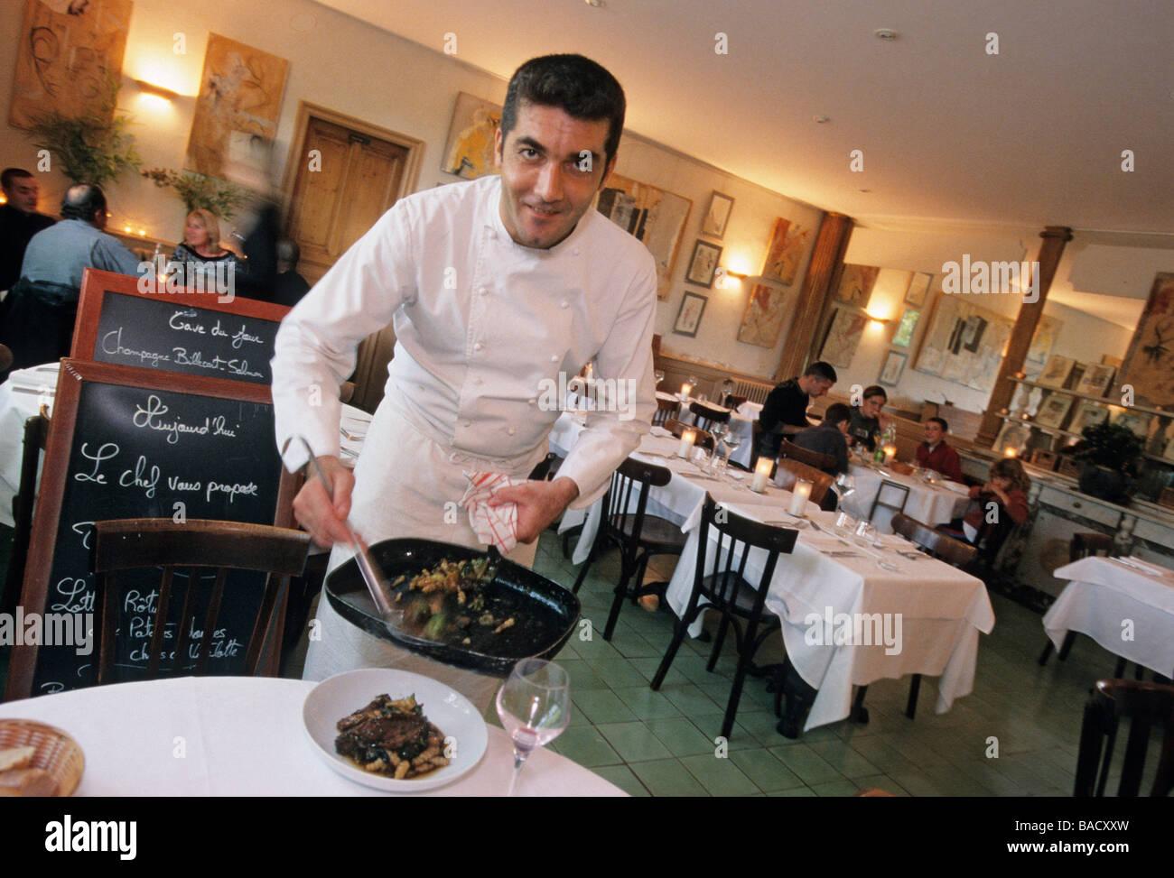 France vaucluse isle sur la sorgue daniel hebet in his restaurant stock photo royalty free - Le jardin du quai isle sur la sorgue ...