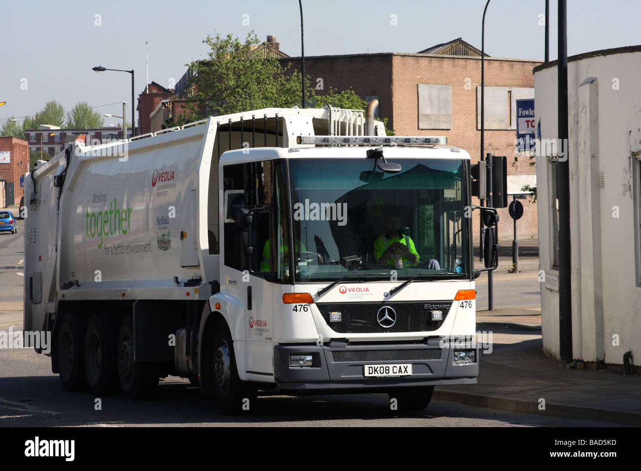 Veolia environmental services waste collection lorry in a u k city stock pho - Veolia habitat services ...