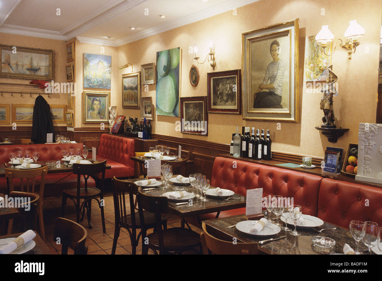 France Oise Compiegne The Dining Room Of Yve Mejeans Restaurant Le Bistrot Des Arts