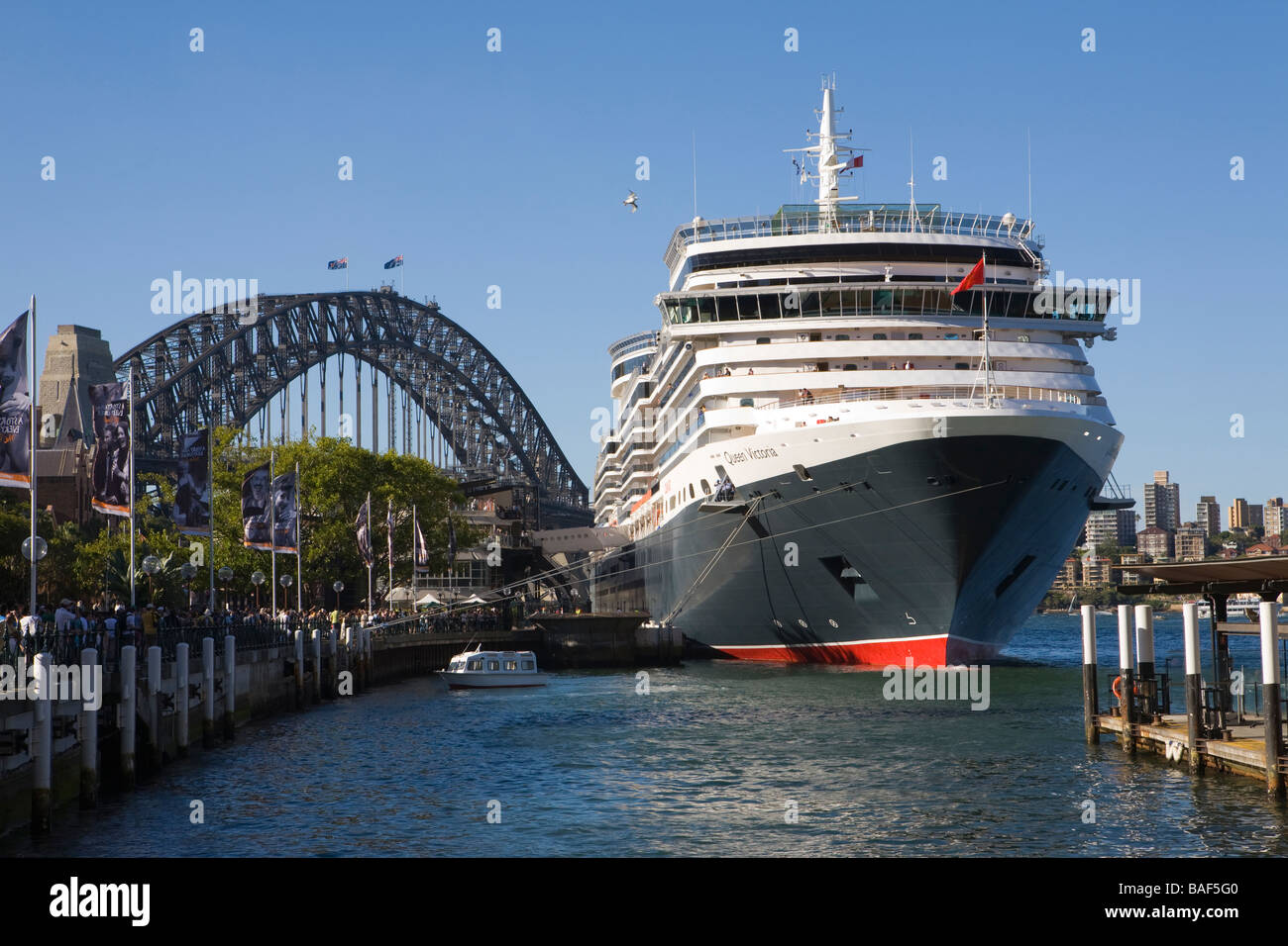 Queen Victoria cruise ship at Overseas Passenger Terminal ...