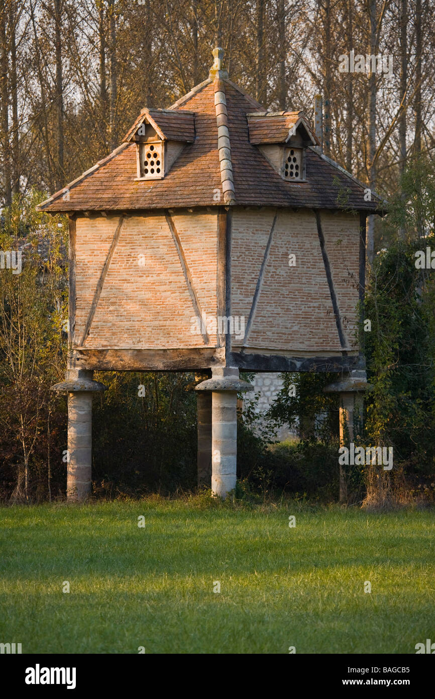 France, Tarn, Le Verdier, dovecote Stock Photo, Royalty Free Image ...
