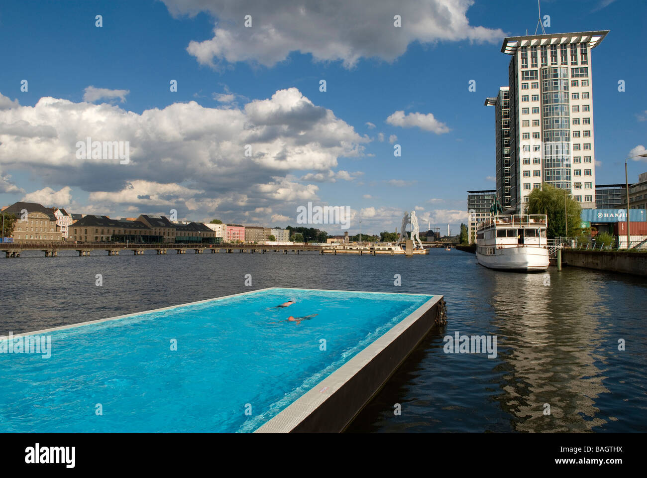 Poolbau Berlin bcherregale berlin size of kreative regal designs best