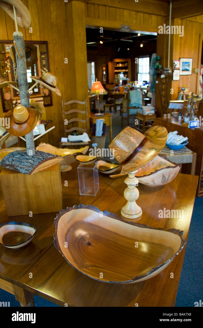Log Crafts The Berea College Log House Craft Gallery In Berea Kentucky Offers