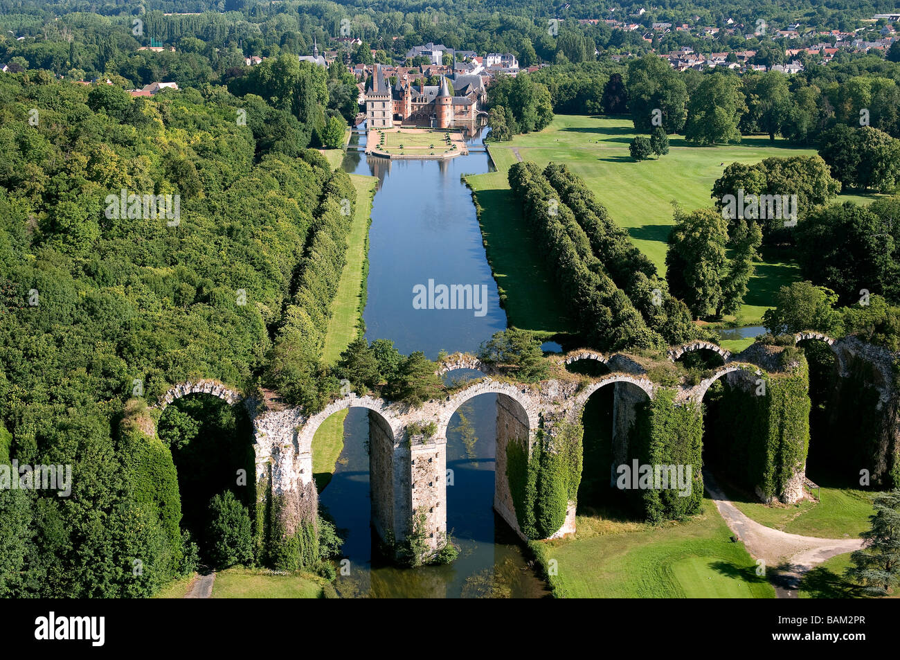 france eure et loir the aqueduct and the castle of maintenon stock photo royalty free image. Black Bedroom Furniture Sets. Home Design Ideas