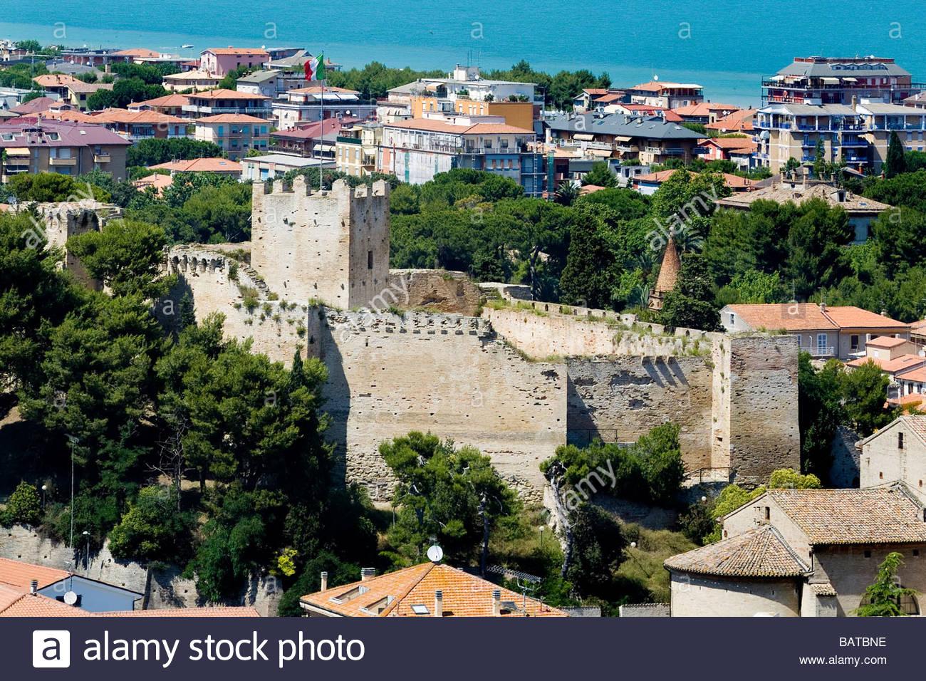 Porto san giorgio veduta della citt con la rocca marche italy stock photo 23893002 alamy - Aran cucine porto san giorgio ...