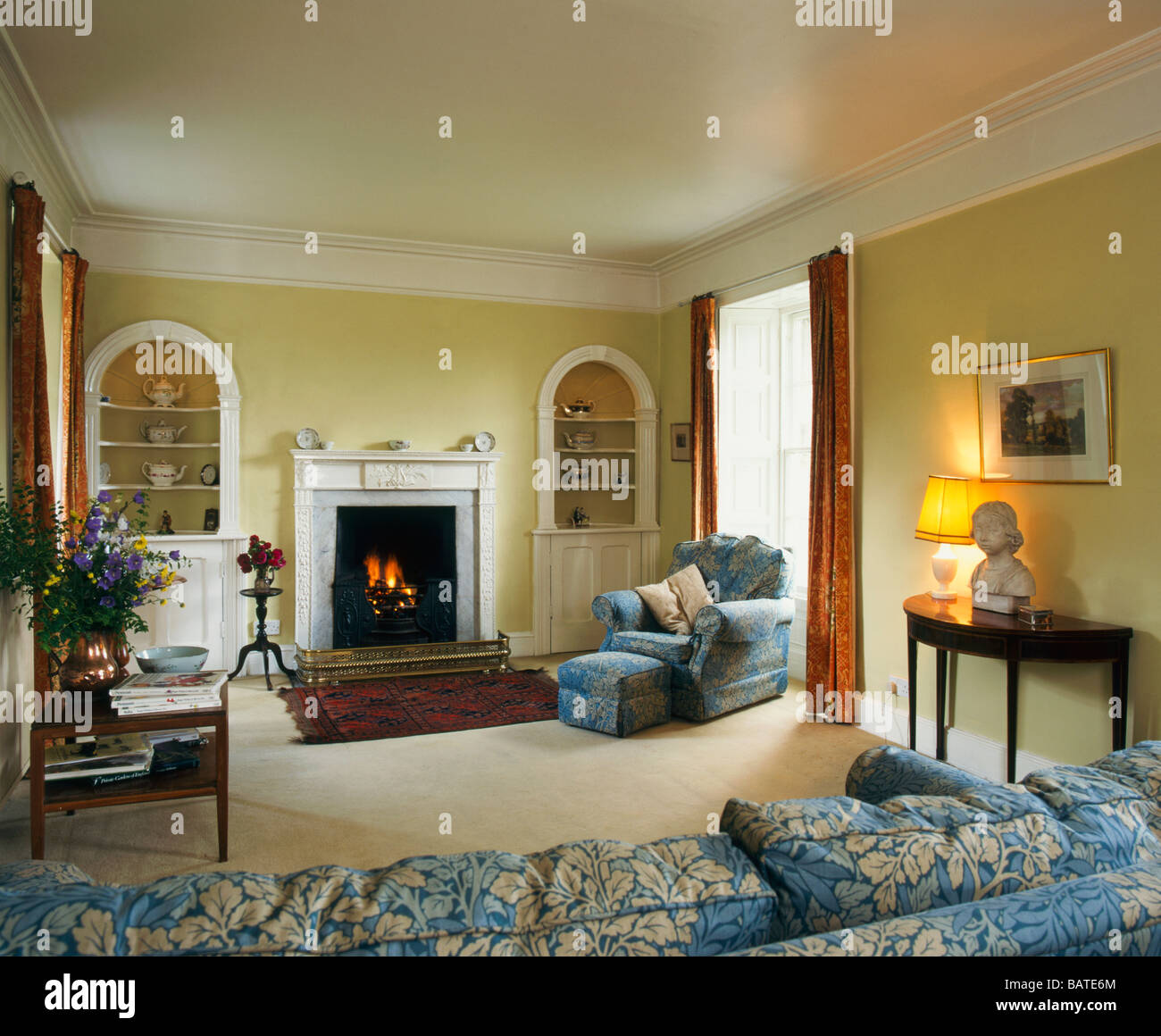 traditional british period sitting room interior design stock