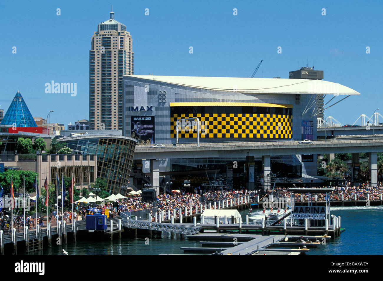 how to get from central to darling harbour