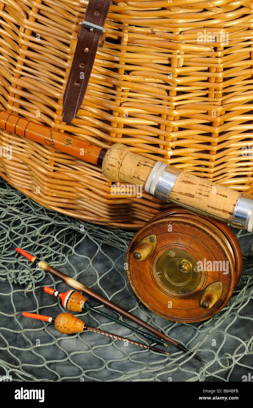 Antique Fishing Equipment : Antique fishing tackle deanlevin
