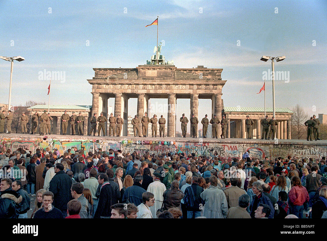 brandenburg gate 1989 - photo #26