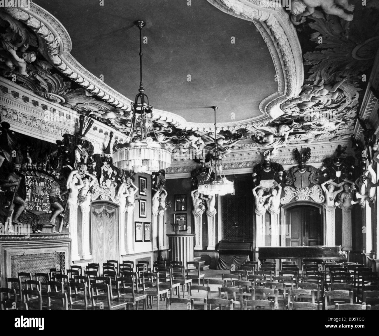 castle interior black and white stock photos & images - alamy
