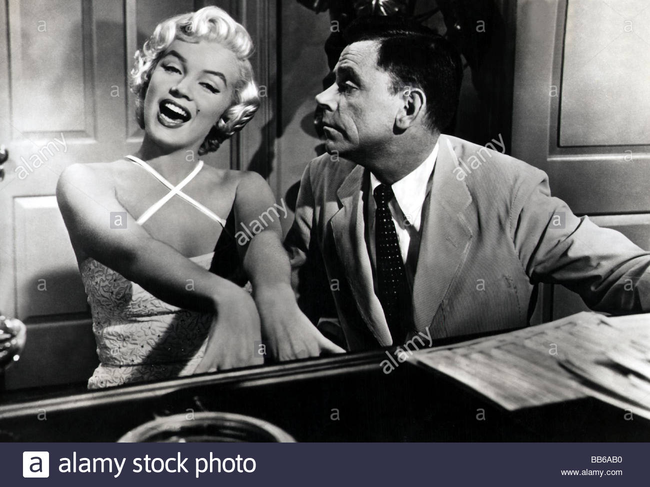 Incredible Movie The Seven Year Itch Usa 1955 Director Billy Wilder Hairstyles For Women Draintrainus
